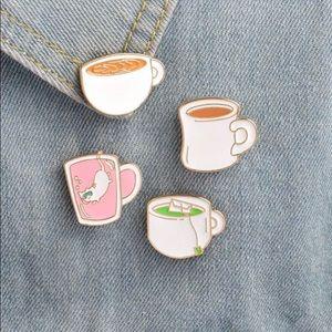 Jewelry - Set of 4 enamel mug pins